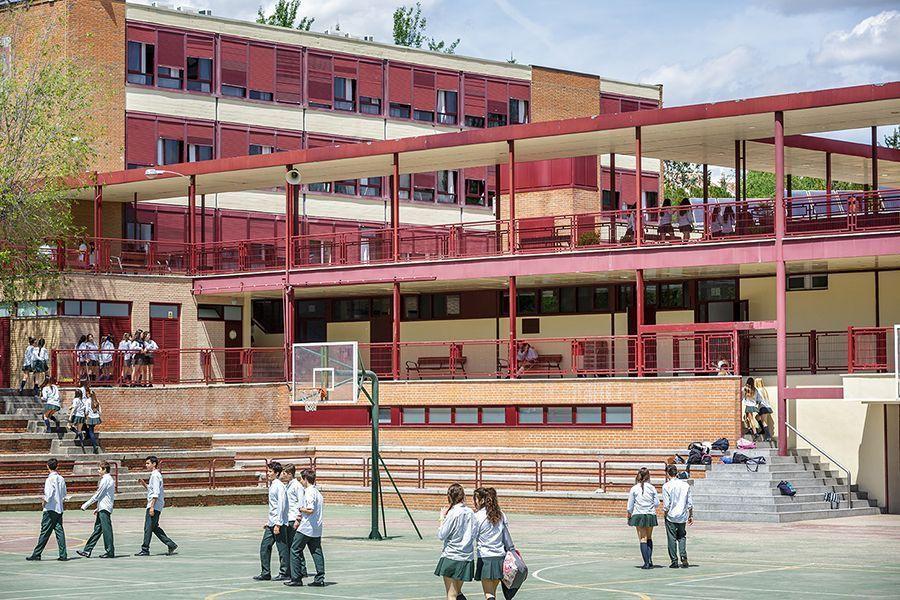 Los colegios públicos de Fuenlabrada ampliarán su horario gracias al Ayuntamiento