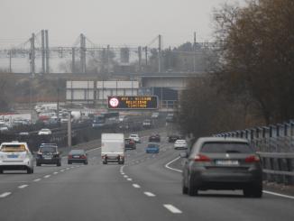 Madrid mantiene este viernes la reducción de velocidad a 70 km/h en la M-30 y accesos por contaminación