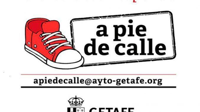 "Cartel del programa municipal de a pie de calle ""La alcaldesa responde""."