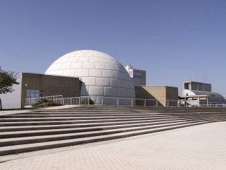 El Planetario de Madrid ofrece sesiones divulgativas sobre astronomía en directo