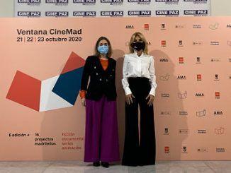 La consejera de Cultura y Turismo de la Comunidad de Madrid, Marta Rivera de la Cruz y Cayetana Guillén Cuervo