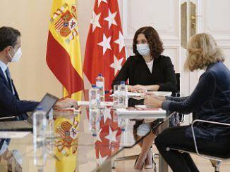 Reunión entre Isabel Díaz Ayuso y el presidente del Comité Nacional del Transporte por Carretera, Rafael Barbadillo.