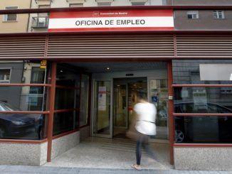 Vista del exterior de una oficina de empleo en Madrid.