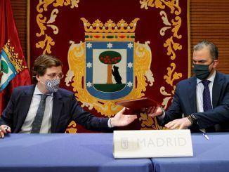 """Almeida firma sus cuentas con Vox y les agradece su """"altura de miras"""""""