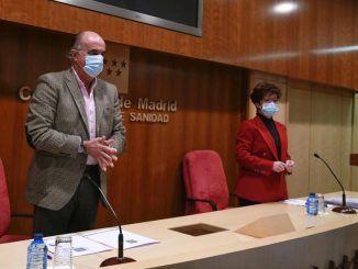 l viceconsejero de Salud Pública y Plan Covid-19 de la Comunidad de Madrid, Antonio Zapatero (i), y la directora general de Salud Pública, Elena Andradas.