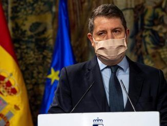 El presidente de Castilla-La Mancha, Emiliano García-Page, durante la rueda de prensa.