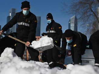 El Estado deja de dar medios para la nevada tras bajar Madrid la alerta