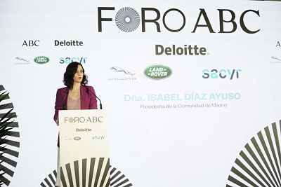 La presidenta de la Comunidad de Madrid, Isabel Díaz Ayuso en el Foro ABC-Deliotte