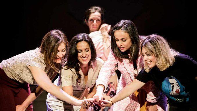 Carolina África en el Teatro Buero Vallejo con su espectáculo 'Otoño en abril', una obra en torno a la familia