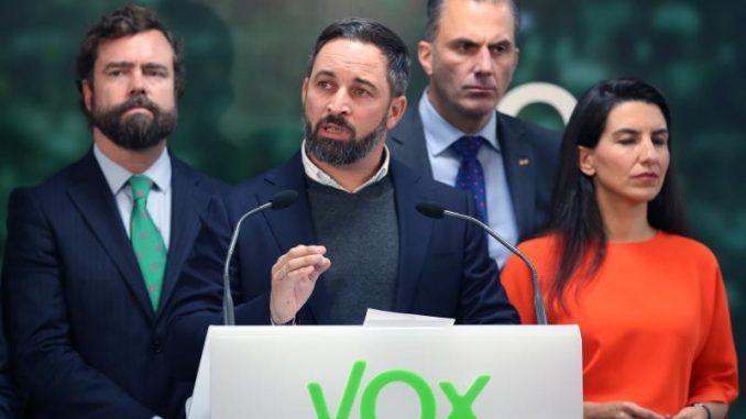 Tensión y críticas a Vox por presentar su candidatura al 4M en Vallecas