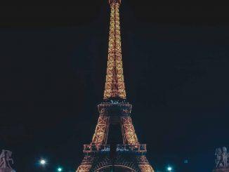 La Torre Eiffel, 132 años en París
