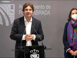 El alcalde Javier Ayala y la ministra de Industria, Comercio y Turismo Reyes Maroto ofrecieron ayer una rueda de prensa para hablar de inversiones y de desarrollo económico en la ciudad
