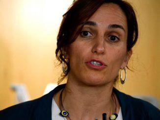 Mónica García en una rueda de prensa