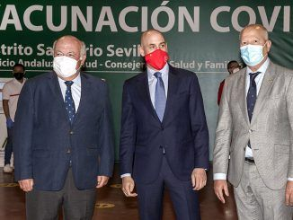 Andalucía avanza a buen ritmo en la vacunación contra el Covid y llega esta semana a menores de 55