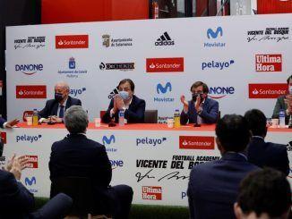 Vicente del Bosque presentó su academia de fútbol