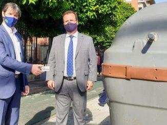 El Ayuntamiento de Sevilla, a través de su empresa de limpieza pública LIPASAM, ha comenzado a implantar el nuevo modelo de contenedor para la recogida de materiales biodegradables en la Ronda Histórica.