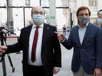 El ministro de Cultura y Deporte español, Miquel Iceta, y el alcalde de Madrid, José Luis Martínez-Almeida